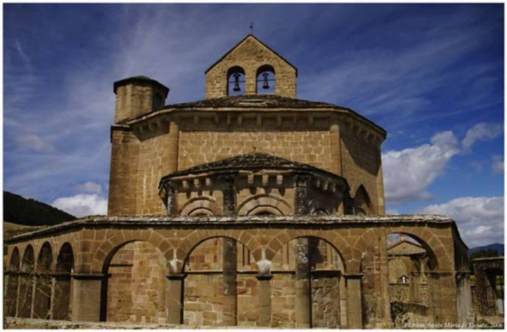 iglesia-de-eunate-2