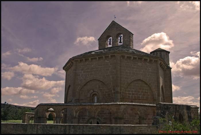 iglesia-de-eunate-3