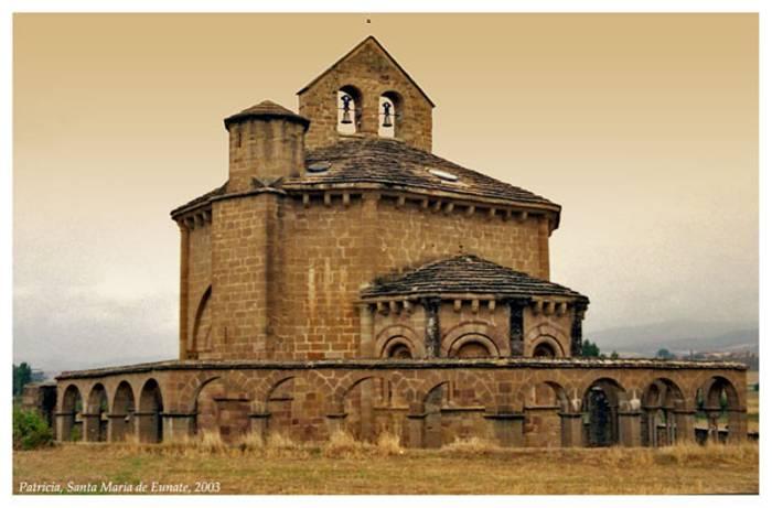 iglesia-de-eunate-5