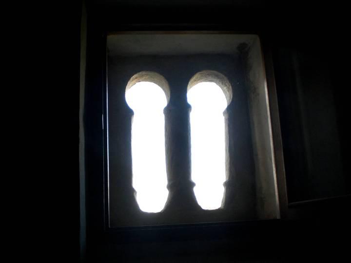 89-iglesia-de-san-martin-de-laspra-ventana-b